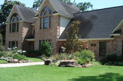 We buy houses in any condition with all cash offers in San Antonio.
